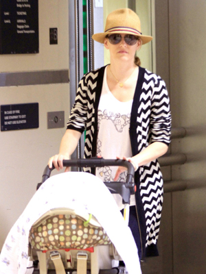 Elizabeth Banks with her surrogate baby